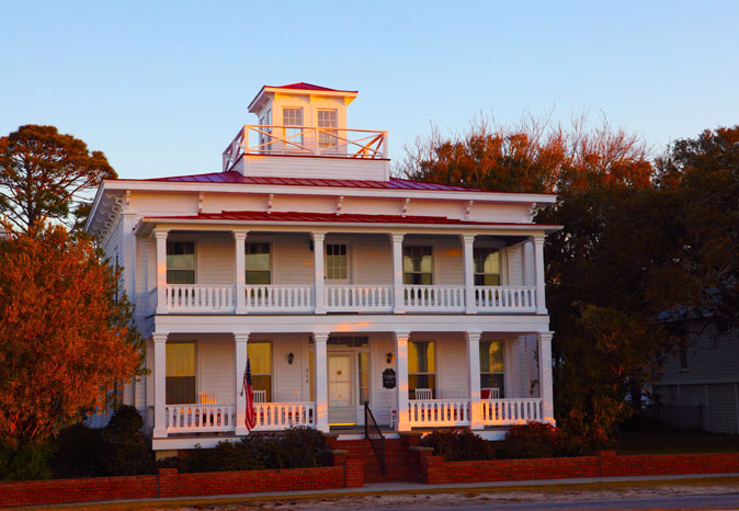 Southport-House-Fall-Color_WEB