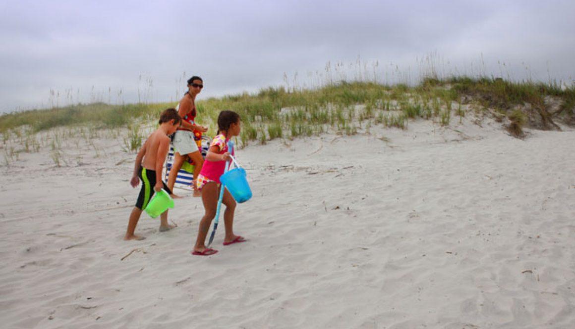 Oak-Island-Kids-and-Mom-Walking_WEB