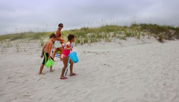 Oak-Island-Kids-and-Mom-Walking_WEB